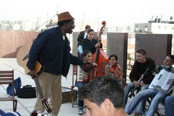 Kyssi Israe?l -Palestine E scale tour, école de musique  Al Kamandjati, Ramalah  Palestine 18 mars 2008