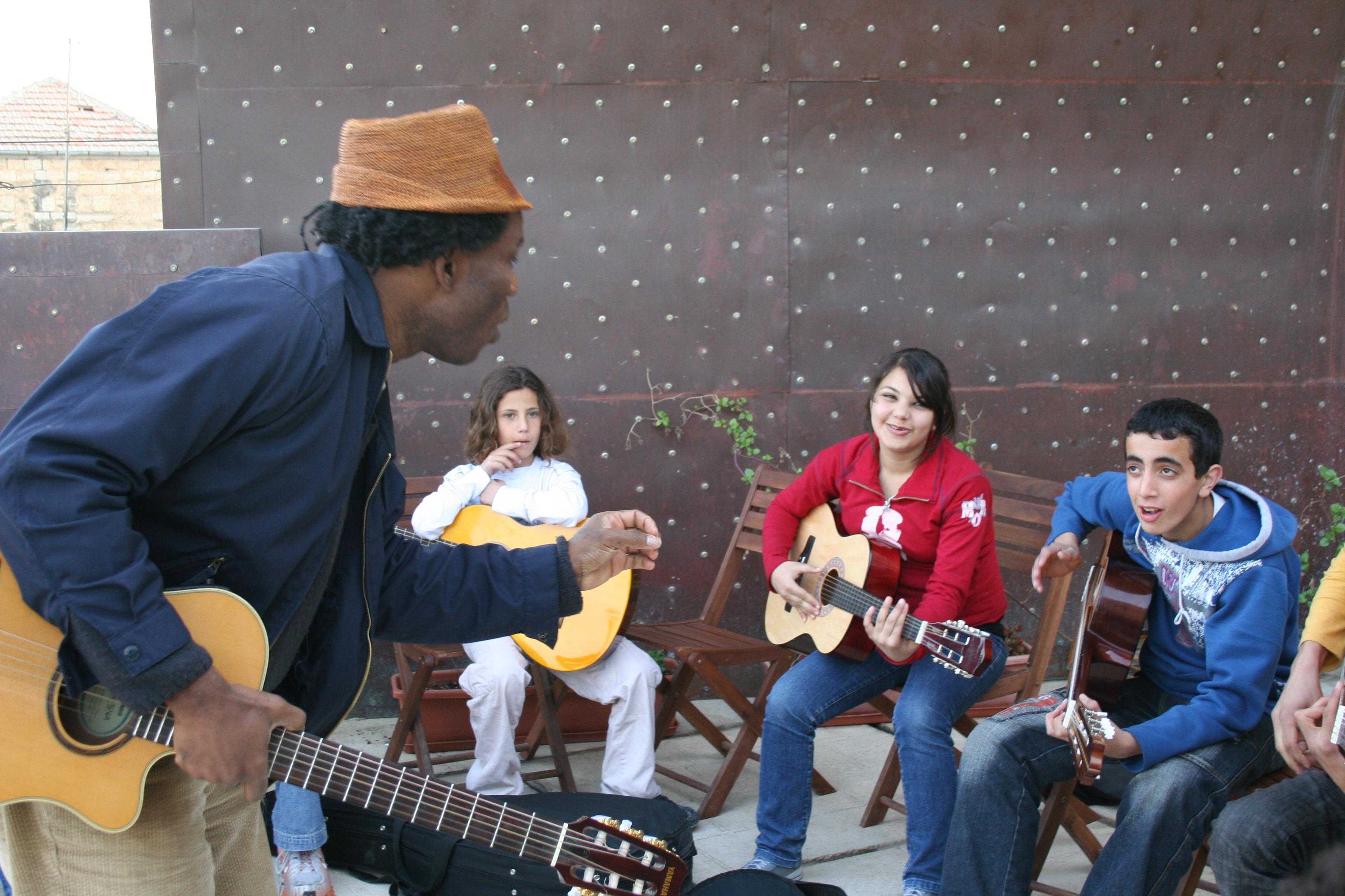 Kyssi We?te Escale tour , école de musique Al Kamandjati, Ramalah Pa lestine 18 mars 2008