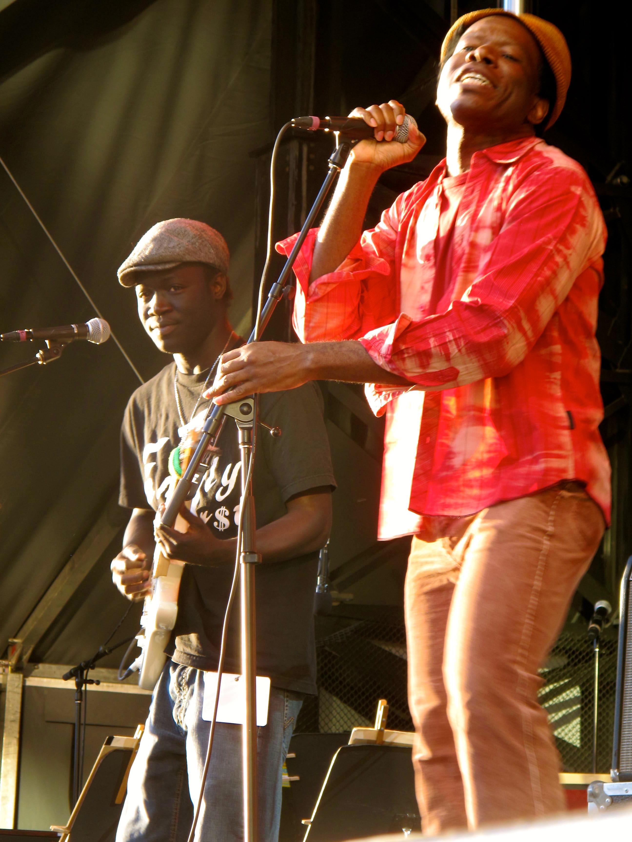 Kyssi et Assane Guitariste, FFO juin 2011, Ottawa, Canada