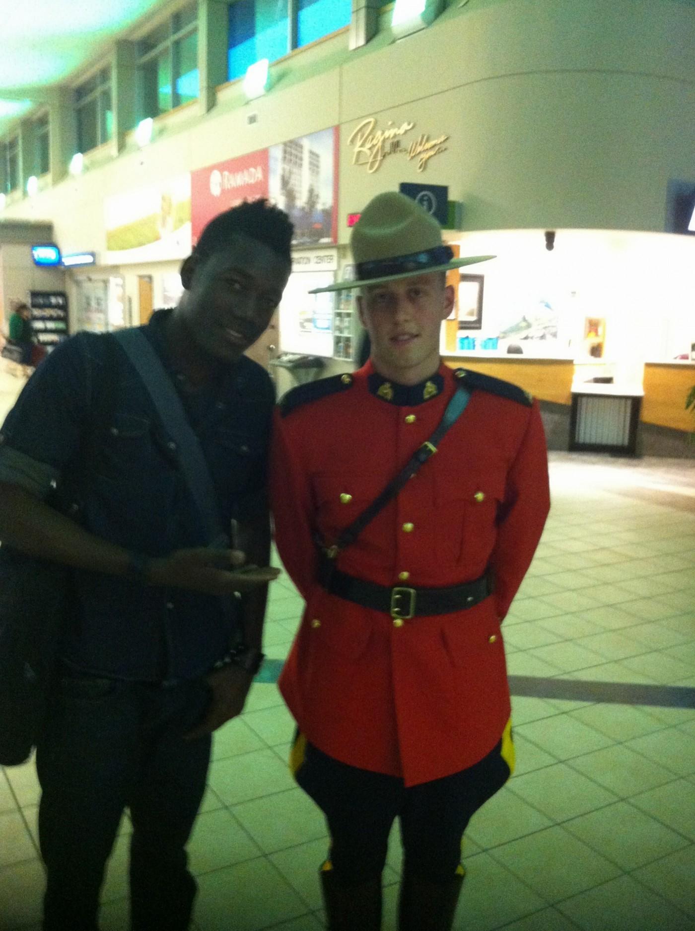 Lionel Batteur, tourne?e Kyssi We?te  Aéroport Regina  Canada juin 2013